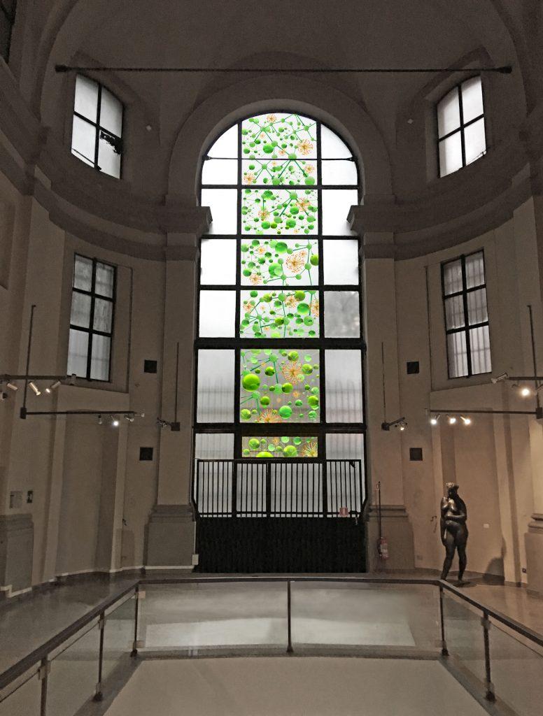 I tigli del parco (La grammatica delle forme), 2017, view of the stained glass window, Giuliana Cunéaz. La grammatica delle forme, Studio Museo Francesco Messina, Milan, 2017