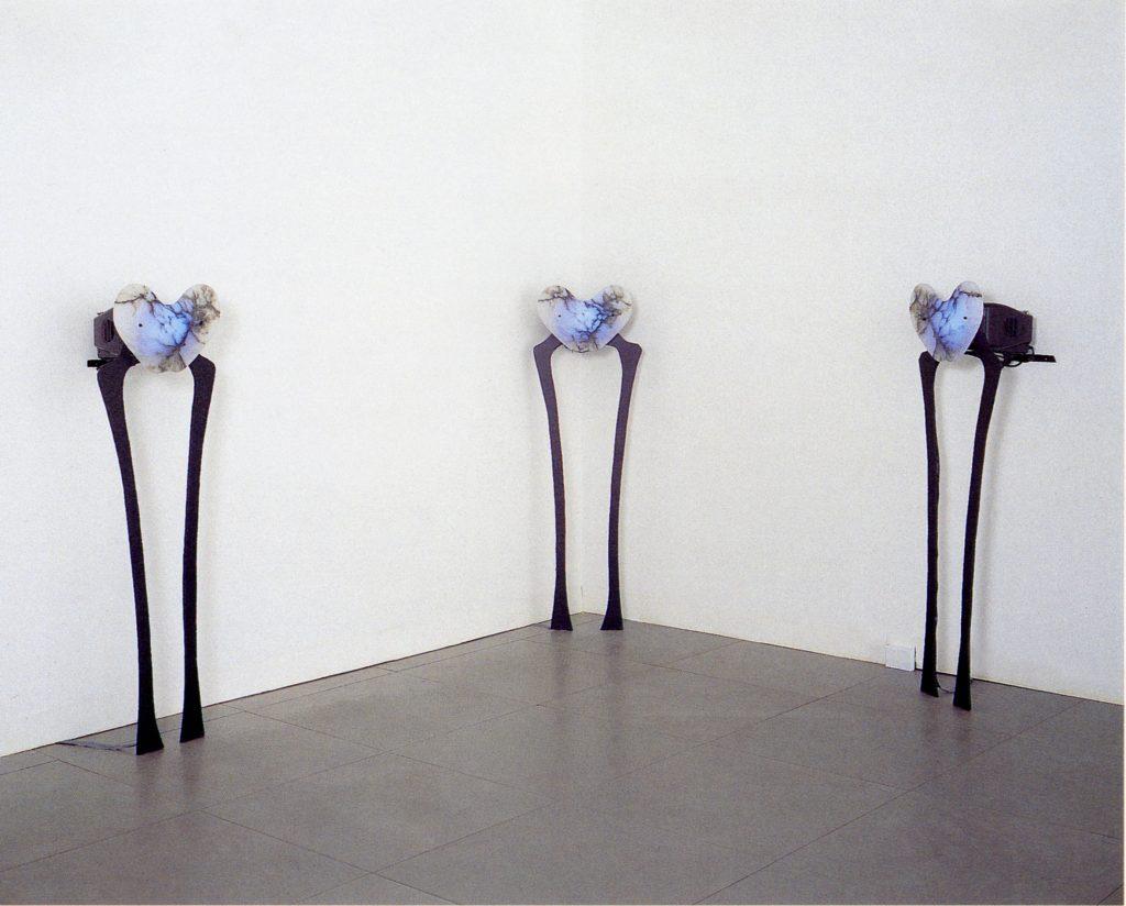 Le Vergini, 1993, ferro, alabastro, monitor, tre elementi, 90 x 50 cm, ciascuna (foto Ernani Orcorte)
