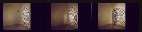Labirinti, 1990, disco plexiglass, smalto nero, diametro 180 cm