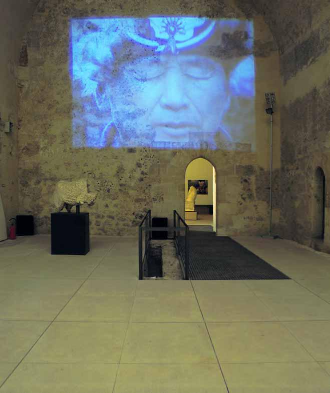Transire, 2000, videoinstallazione, videoproiettore, DVD, amplificatori