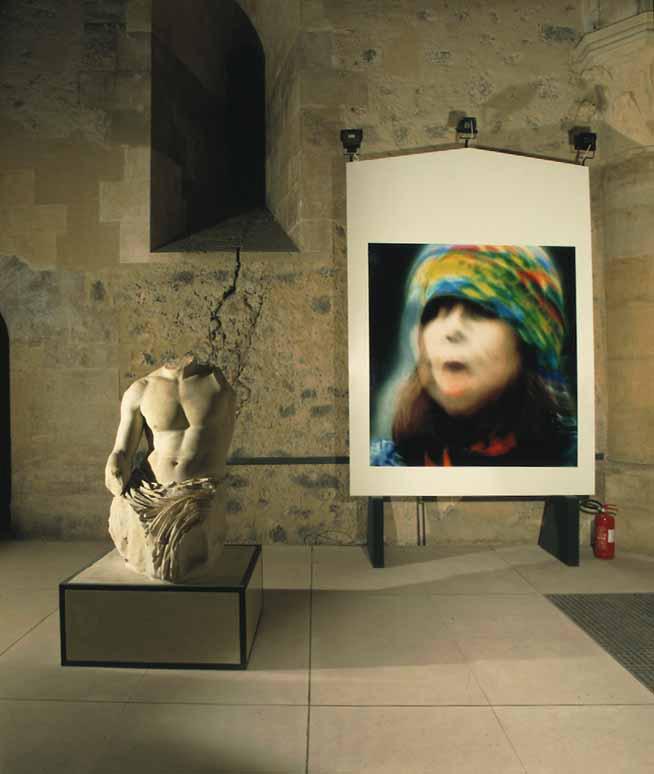 Sguardami, veduta dell'installazione, Castello Ursino, Catania, 2001